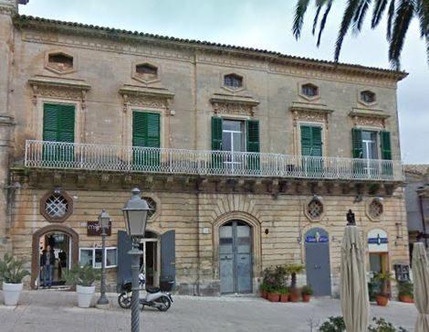 Palazzo Maggiore di Santa Barbara Ragusa.JPG