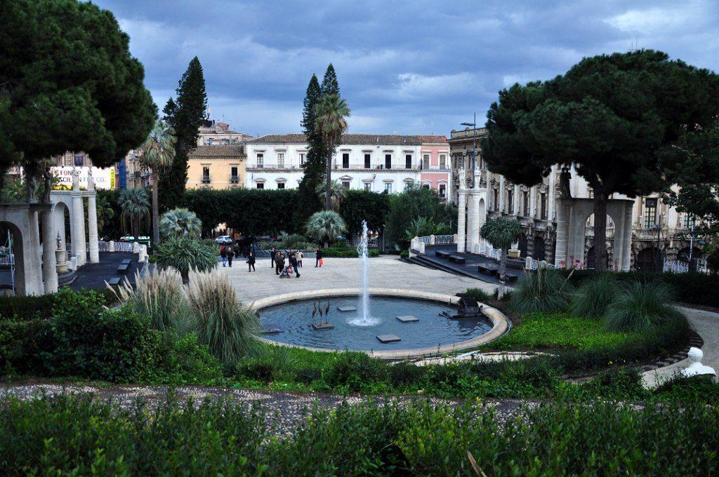 Catania - villa Bellini.JPG