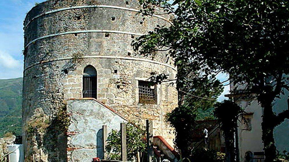 Castello-di-Castroreale.jpg