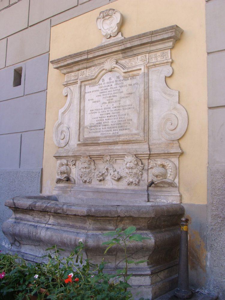 Fontane di Piazza San Francesco d'Assisi - Palermo .JPG