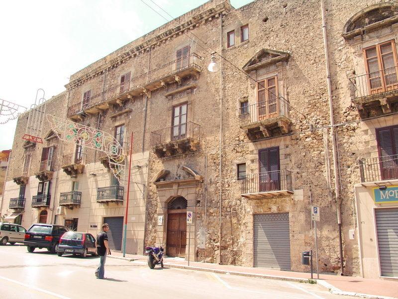 Palazzo Rocca.jpg