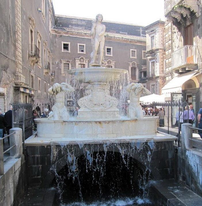 Fontana dell'Amenano.jpg