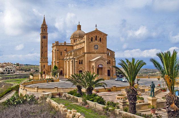 malta-gozo-ta-pinu-basilica.jpg