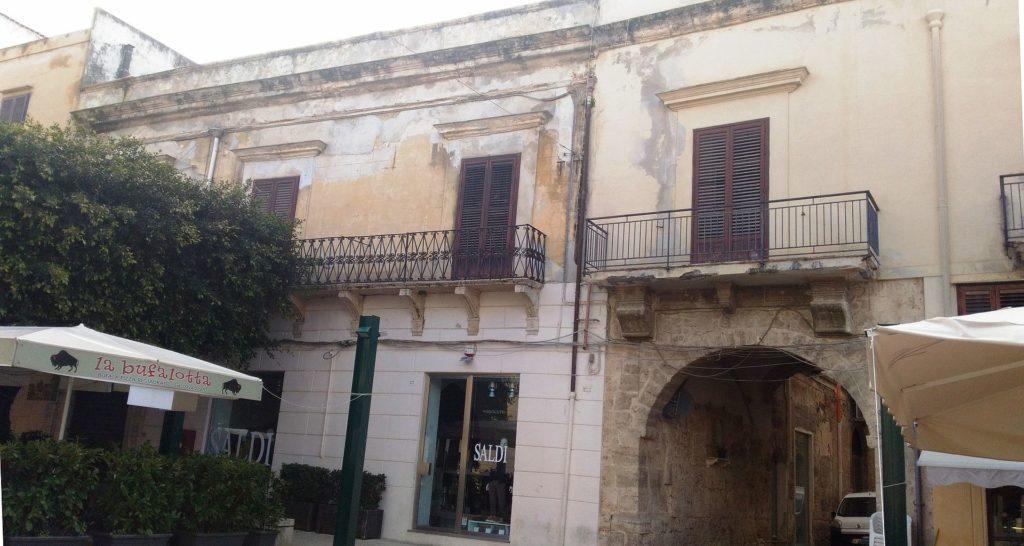 Palazzo_Patti.jpg