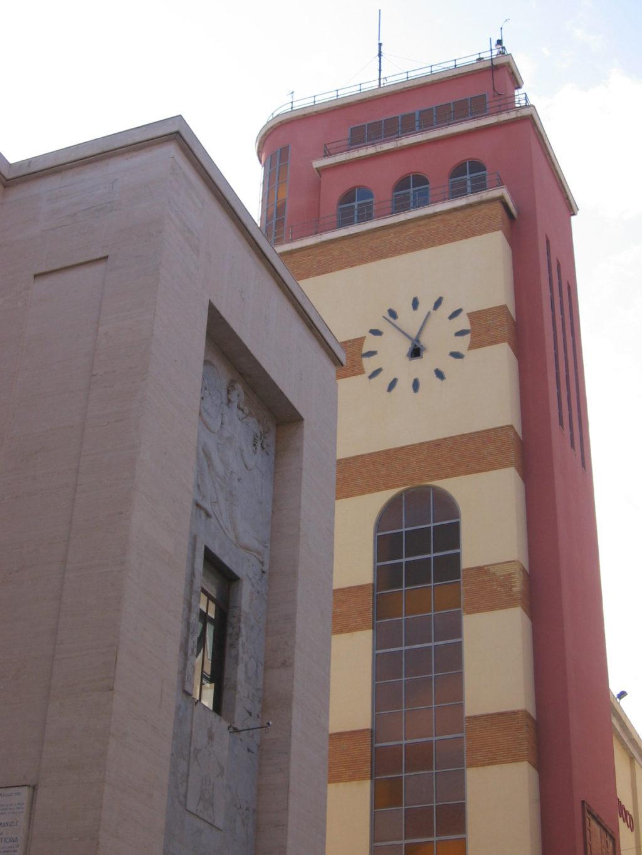 Caserma_dei_Vigili_del_Fuoco_Palermo (wikipedia).jpg