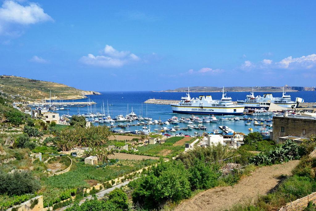Malte,_Gozo,_port_de_Mgarr_&_ferrys_&_Comino.jpg