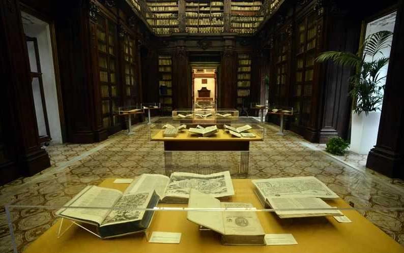Mostra-nella-Biblioteca-Lucchesiana.jpg