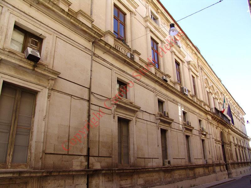 palazzo_del_governo1.JPG