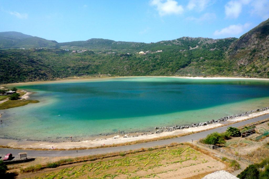 Pantelleria_lago-di-venere.jpg
