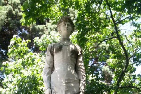 Statua della Regina Elena.jpeg