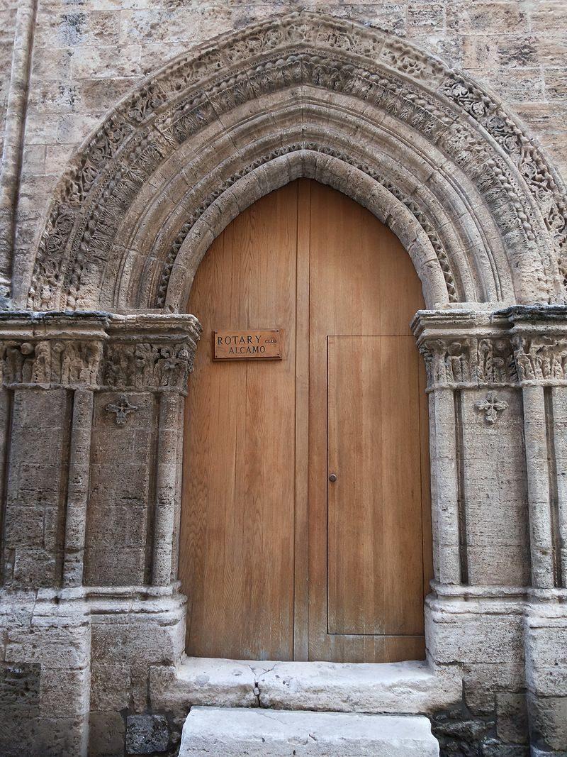 Chiesa_di_San_Tommaso_(Alcamo)_-_Portale_di_San_Tommaso.jpg