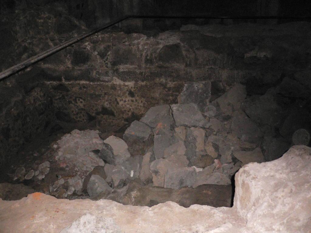 necropoli sotto la rinascente fonte livesicilia.jpg