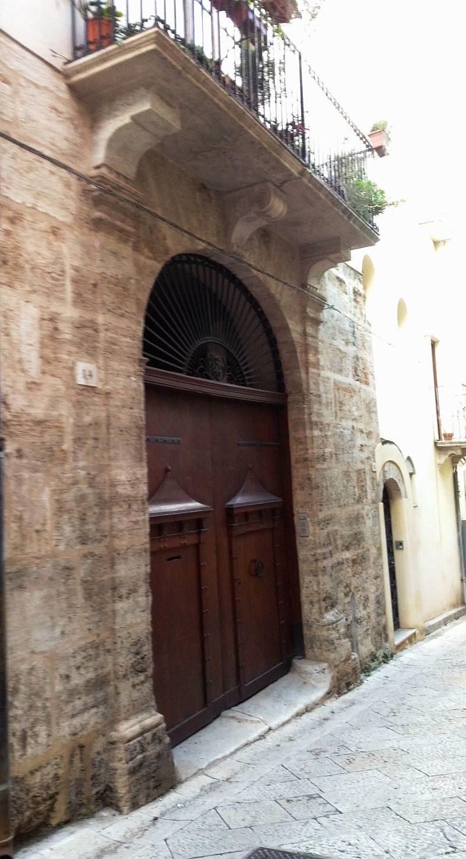 Palazzo_Velez.jpg