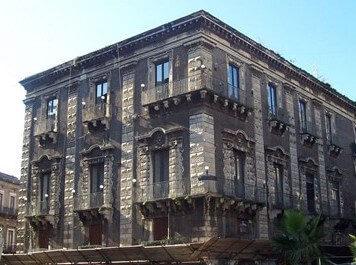 Palazzo Sammartino Pardo.jpg