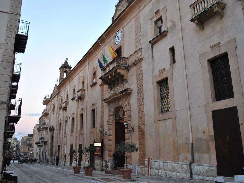 Palazzo-crociferi.jpg