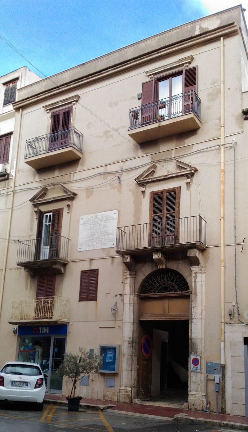 Palazzo_Triolo.jpg
