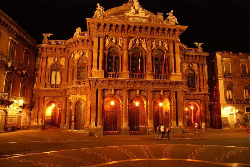 Teatro Massimo Vincenzo Bellini.jpg