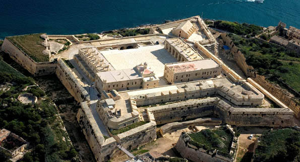fort-manoel (web).jpg