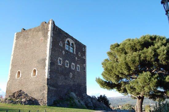 Paternò_castellonormanno.jpg