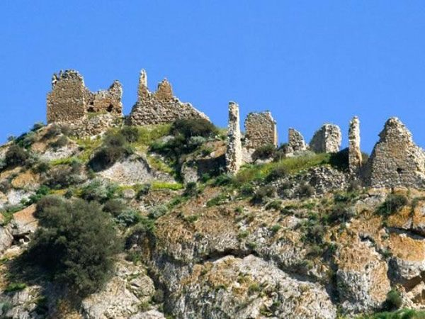 Il Castello di Grassuliato Mazzarino.jpg