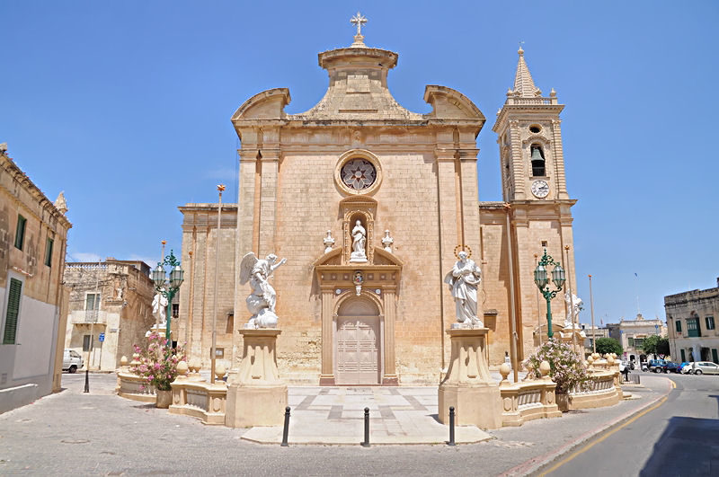 Parish_church_annunciation_in_Balzan.jpg