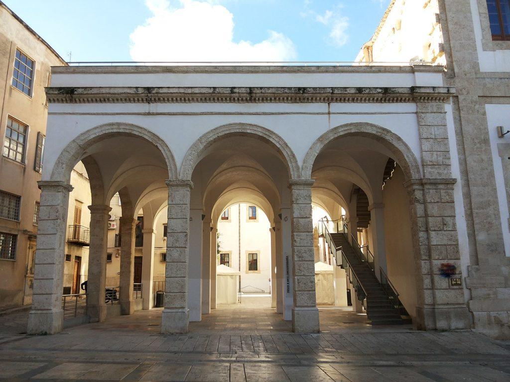 Ex Collegio dei Gesuiti_(Alcamo) Porticato.jpg