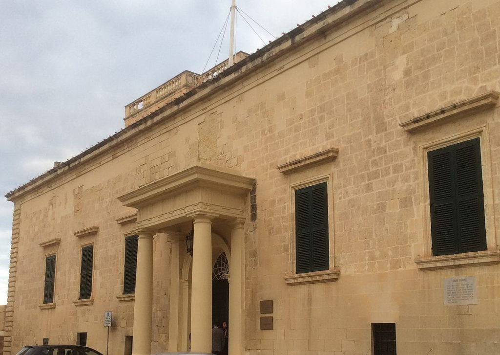 Auberge_d'Aragon_Valletta,_Malta_façade.jpeg.jpeg