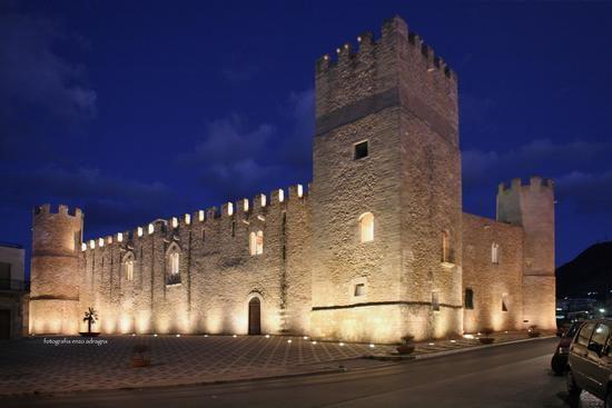 Castello dei Conti di Modica - Alcamo.jpg