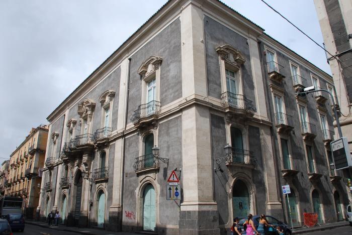 Palazzo Valle.jpg