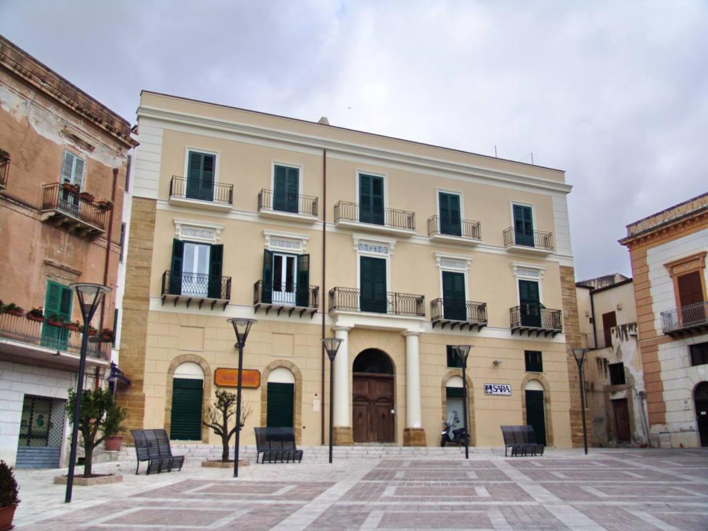 Palazzo Cassar.JPG