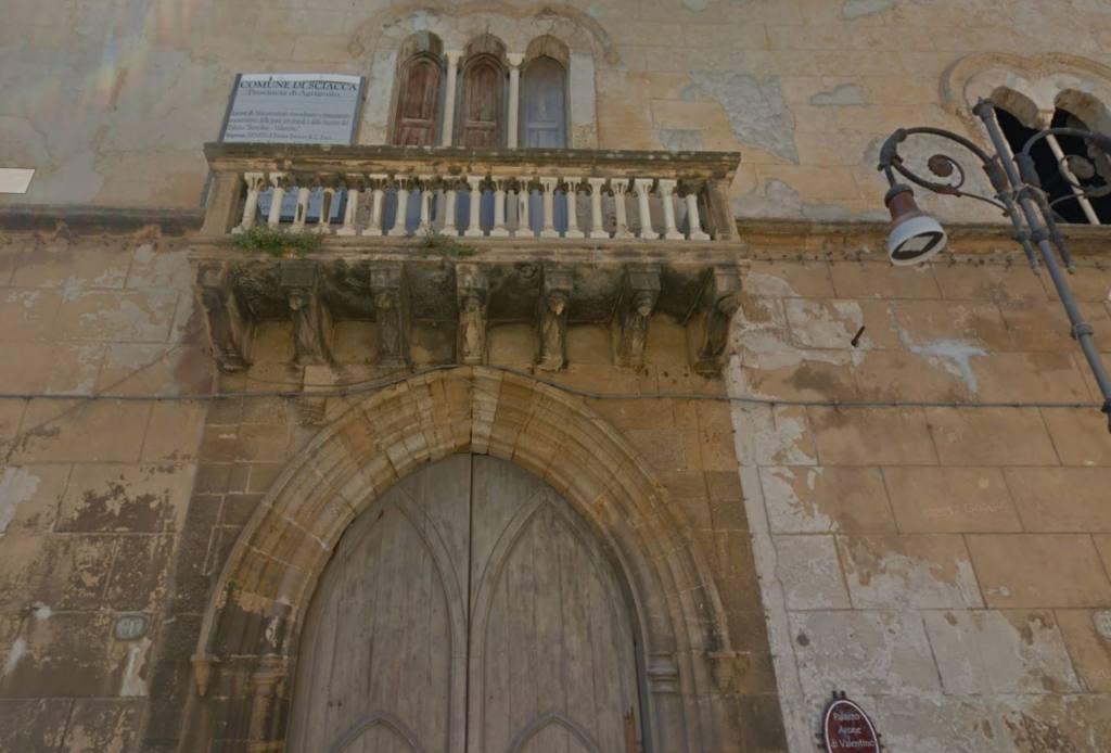 Palazzo Arone di Valentino - web.JPG
