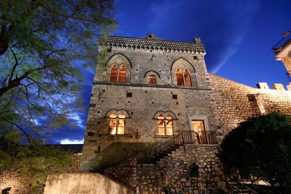 Palazzo-Duchi-di-Santo-Stefano-Taormina.jpg