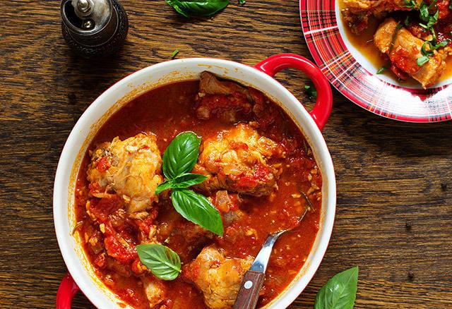 stuffat-tal-fenek-rabbit-stew-maltese-cuisine.jpg