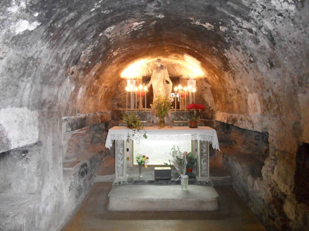 cripta - fonte cataniagiovani.jpg