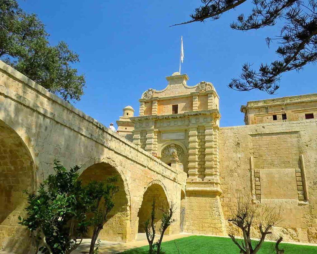 Main Gate Mdina.jpg