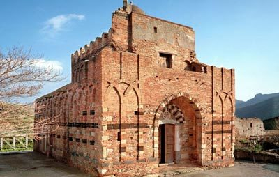 Monastero dei SS. Pietro e Paolo - Casalvecchio Siculo.jpg