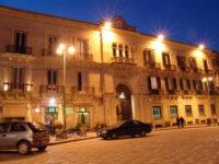 Palazzo Platamone (o Palazzo dell'Orologio) - Siracusa.jpg