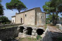Chiesa di S. Nicolò ai Coradari e Piscina Romana.jpg