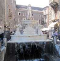 Fontana dell'Amenano.jpg