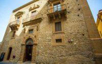 Palazzo Vescovile - Piazza Armerina.jpg