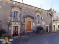 palazzo-burgio-300x225.jpg