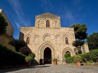 Basilica La Magione (SS Triità del Cancelliere) - Palermo.jpg