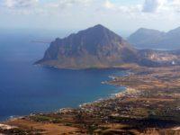 Panorama di monte cofano visto da Erice.jpg