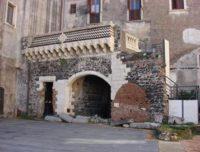 Loggiato del Palazzo Platamone.jpg