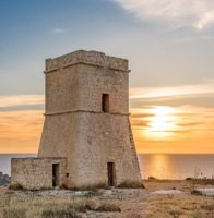 Lippija_Tower_Overlooking_Gnejna_Bay.jpg