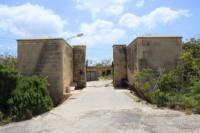 Malta_-_Birzebbuga_-_Triq_Benghajsa_-_Fort_Benghajsa_06_ies.jpg
