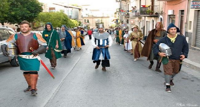 Caltabellotta-sfilata-Pace