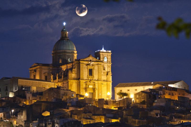 Chiesa-a-Piazza-Armerina-Basilica-Cattedrale-Maria-SS-delle-Vittorie