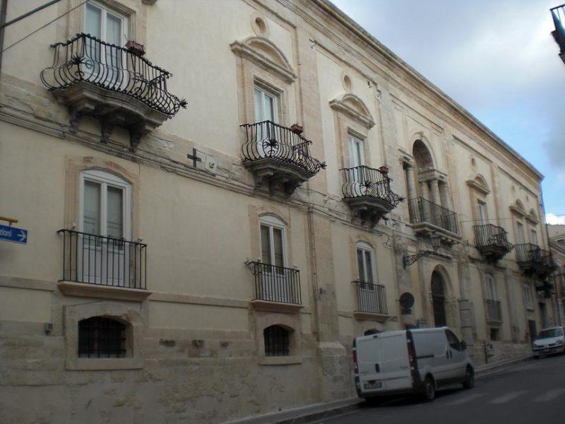 palazzo-montesano-chiaramonte-gulfi