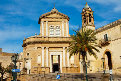 santuario-della-madonna-delludienza-nel-convento-del-carmine-sambuca-di-sicilia